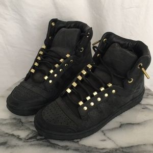 buy popular 1ed6c e44c4 adidas Shoes - 2 Chains x Adidas Sneakers Limited Top Ten Hi -NWT